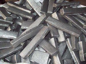 kim loại dẫn điện tốt nhất-sắt